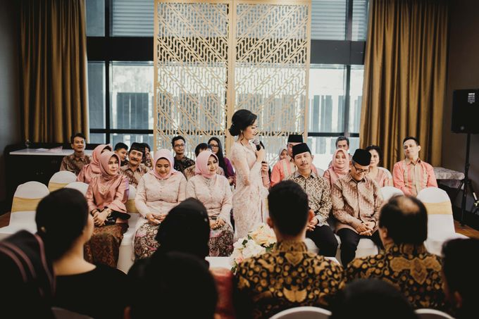 Adit & Mieke Traditional Engagemen by Lights Journal - 014