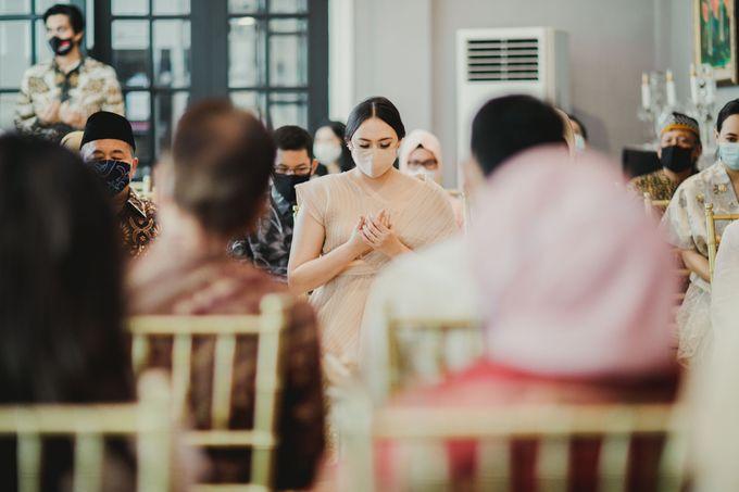 Engagement of Dinar & Radit by Lights Journal - 008