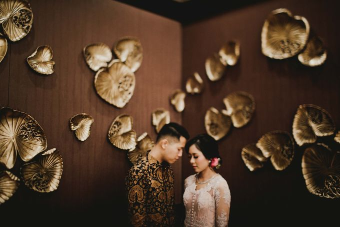 Adit & Mieke Traditional Engagemen by Lights Journal - 021