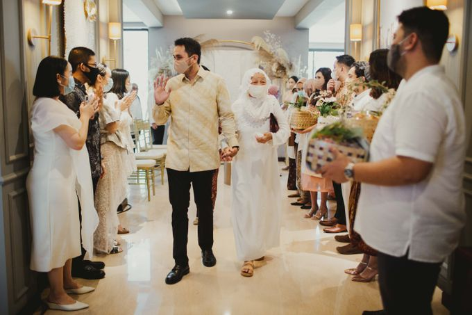 Engagement of Dinar & Radit by Lights Journal - 021