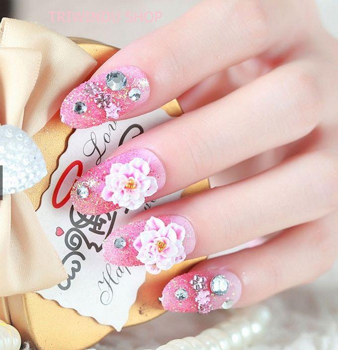 nail art- 24 pcs kuku palsu dengan warna pink dan hiasan bunga by Triwindu shop - 001