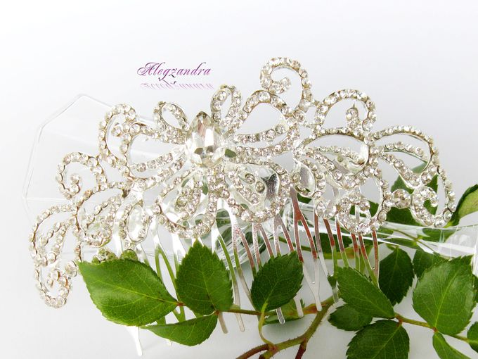 Bridal Hair Comb by Pamela Falli - 017