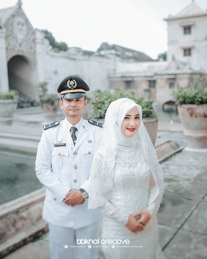 Prewedding Siska + Yuris by Titiknol Creative - 007