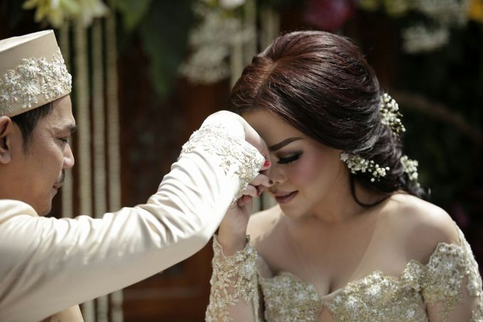 The Wedding Of Ajeng + Dedy by Wong Akbar Photography - 002