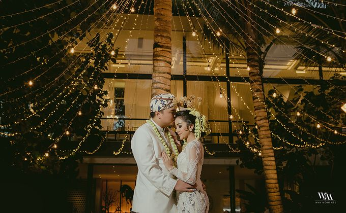 Sundanese Traditional wedding at The Glass House by Tirtha Bridal - 002