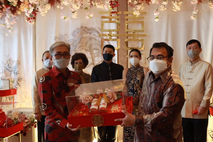 Sangjit House Of Yuen Hotel Fairmont Jakarta - MC Anthony Stevven by NOMA Jewelry & Accessories - 010