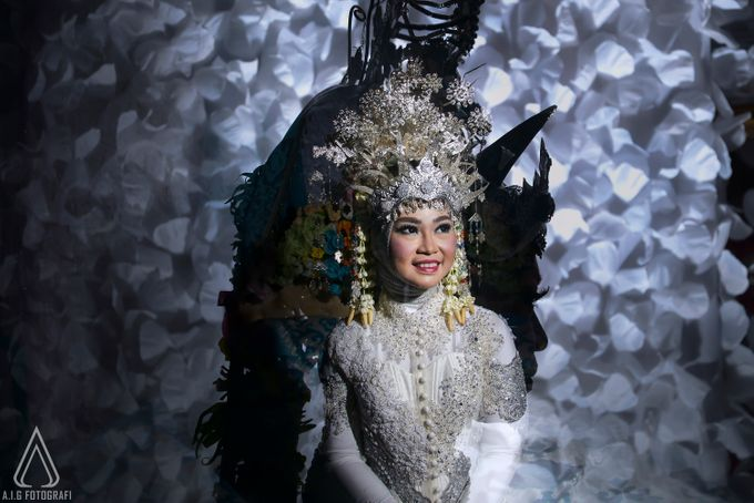 Wedding Moment Of Wiwit And Firli. by AIG FOTOGRAFI - 011