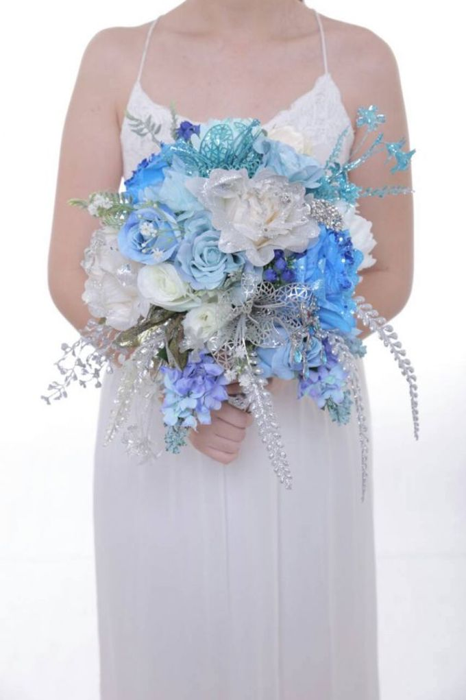 ENCHANTED WEDDING BOUQUET by LUX floral design - 032
