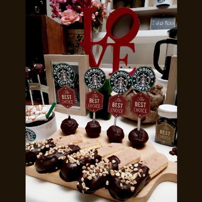 Starbuck Coffee Lovers Dessert Table by Veste Sweet & Delight - 001