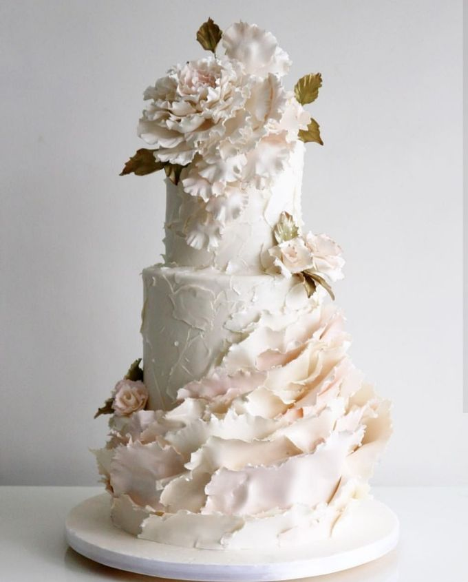 3 layers wedding cakes by LeNovelle Cake - 010