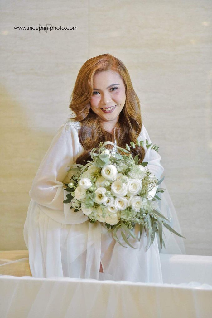 Bridal Bouquets by Natural Art Flowers and Decors - 005