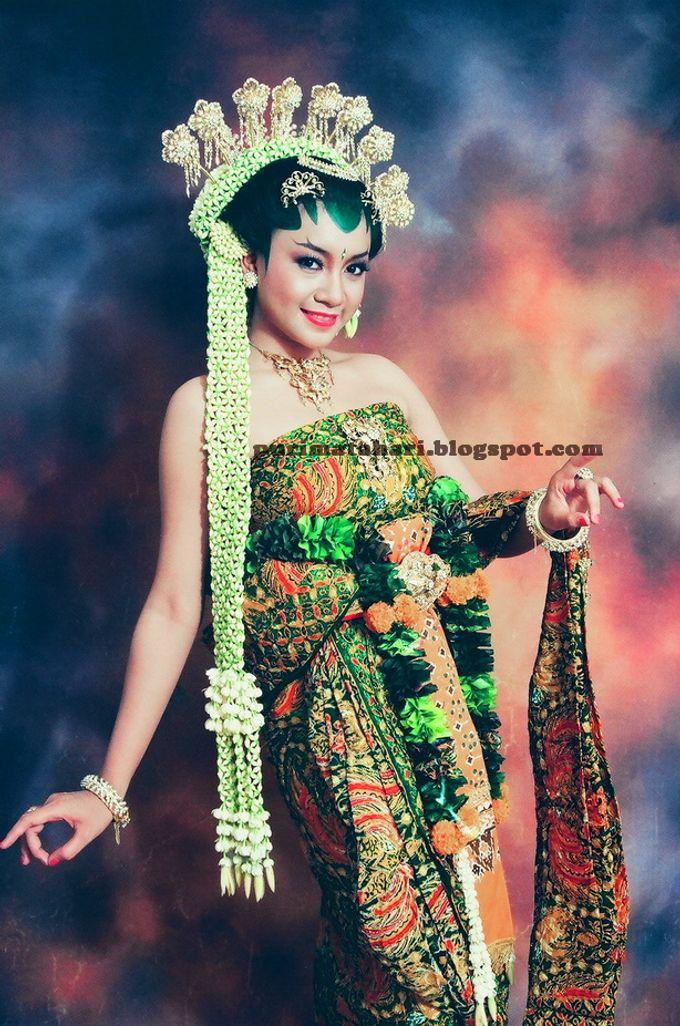 Pengantin Jawa by Puri Matahari Rias Pengantin - 011