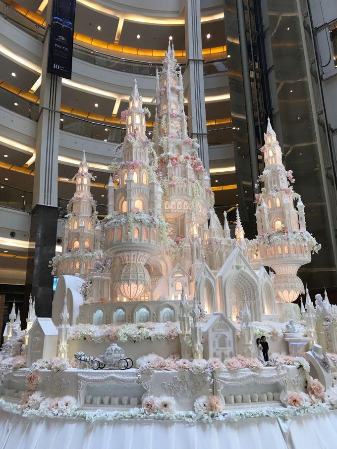 Masterpiece and Signature Wedding Cakes by LeNovelle Cake - 028