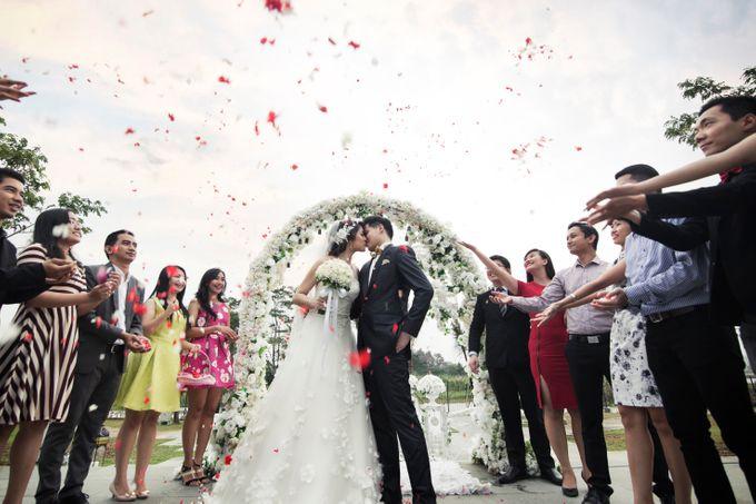 Outdoor Wedding at Lake Garden by Cynthia Kusuma - 001