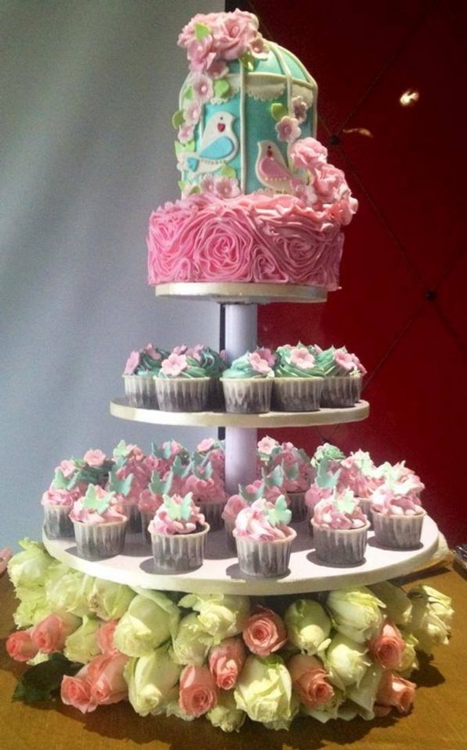 a glimpse of  my  works by In the Clouds Cakes & Events - 006