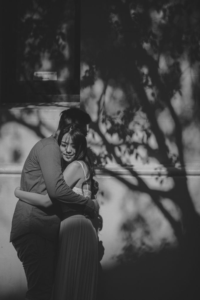 Jimmy & Sylvia Sydney Engagement Session by Calia Photography - 038