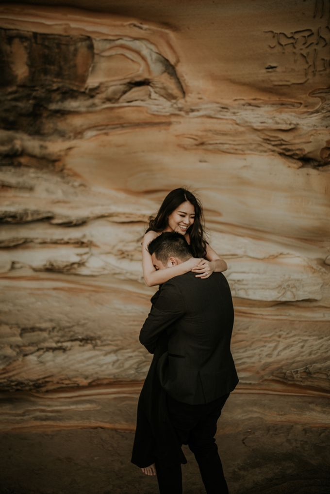 Jimmy & Sylvia Sydney Engagement Session by Calia Photography - 030