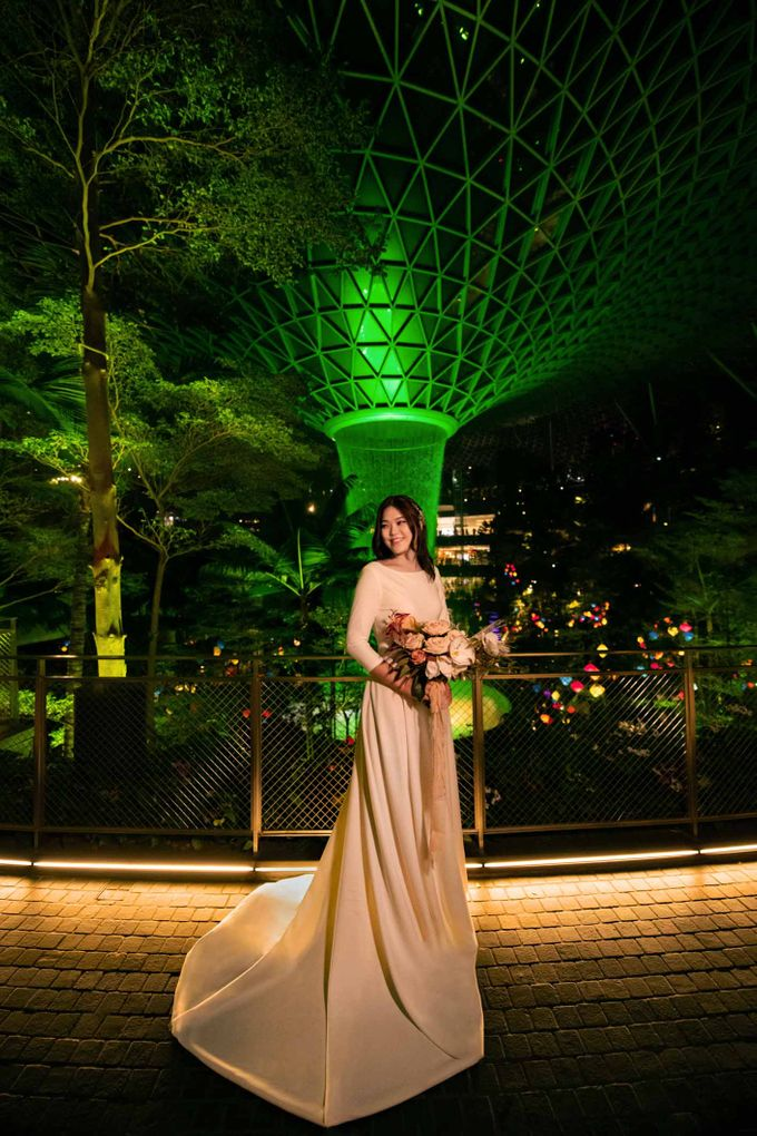 Andrew & Cara (St. Joseph's Church & Jewel Changi Airport) by GrizzyPix Photography - 002