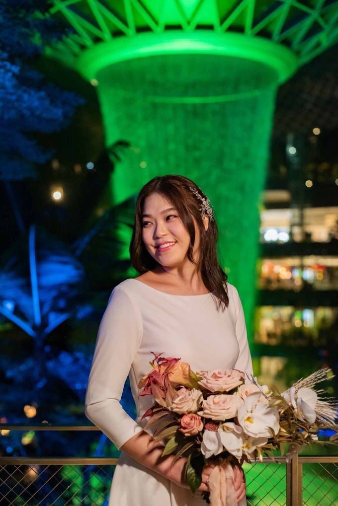 Andrew & Cara (St. Joseph's Church & Jewel Changi Airport) by GrizzyPix Photography - 019