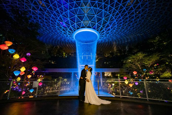 Andrew & Cara (St. Joseph's Church & Jewel Changi Airport) by GrizzyPix Photography - 021