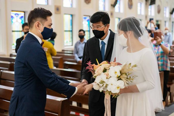 Andrew & Cara (St. Joseph's Church & Jewel Changi Airport) by GrizzyPix Photography - 006