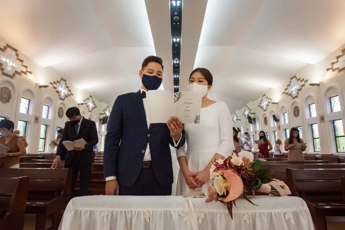 Andrew & Cara (St. Joseph's Church & Jewel Changi Airport) by GrizzyPix Photography - 011