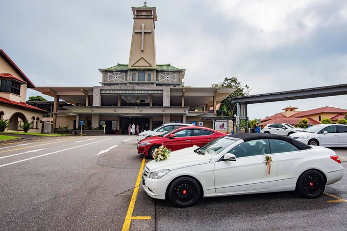Andrew & Cara (St. Joseph's Church & Jewel Changi Airport) by GrizzyPix Photography - 012