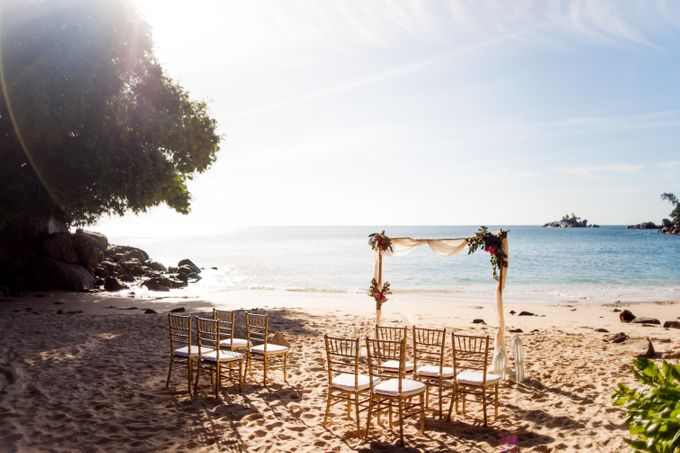 Boho-chic wedding in Seychelles by Evelina Korneevets - 019