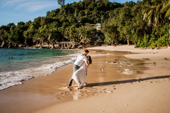 Boho-chic wedding in Seychelles by Evelina Korneevets - 033