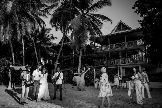Boho-chic wedding in Seychelles by Evelina Korneevets - 035