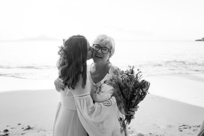 Boho-chic wedding in Seychelles by Evelina Korneevets - 047