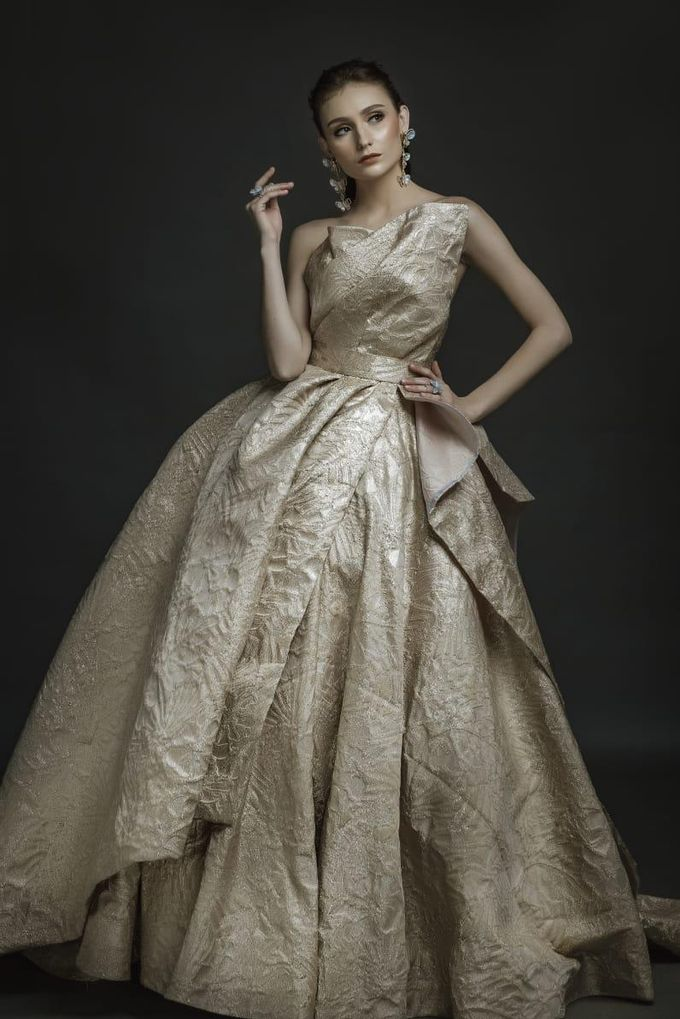 New Collection Gaun & Busana Pengantin by Hengki Kawilarang Couture - 020