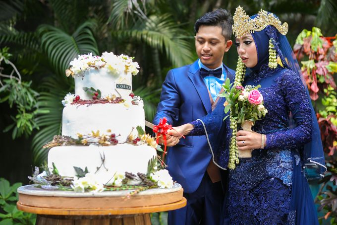 The Intimate Wedding Party of Apriska & Ahimsa by Abirupa Wedding Planner - 017