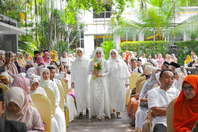 The Intimate Wedding Party of Apriska & Ahimsa by Abirupa Wedding Planner - 011