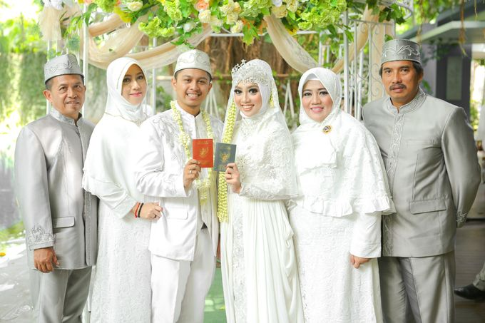 The Intimate Wedding Party of Apriska & Ahimsa by Abirupa Wedding Planner - 013