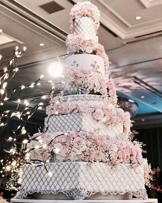 7 & 8 tiers Wedding Cake by LeNovelle Cake - 001