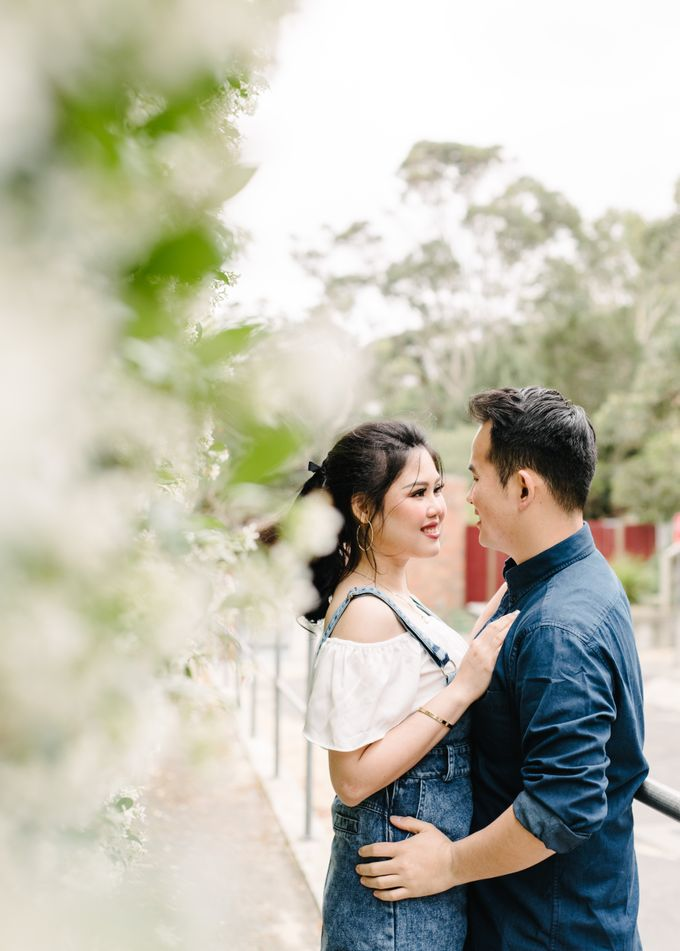 Sweethearts by Born in November Photographs - 020