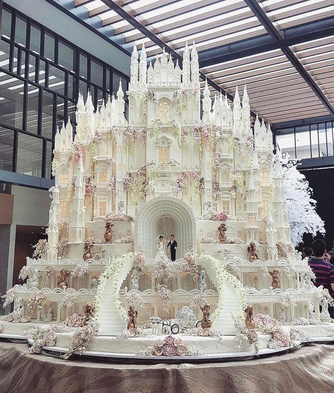 Masterpiece and Signature Wedding Cakes by LeNovelle Cake - 032