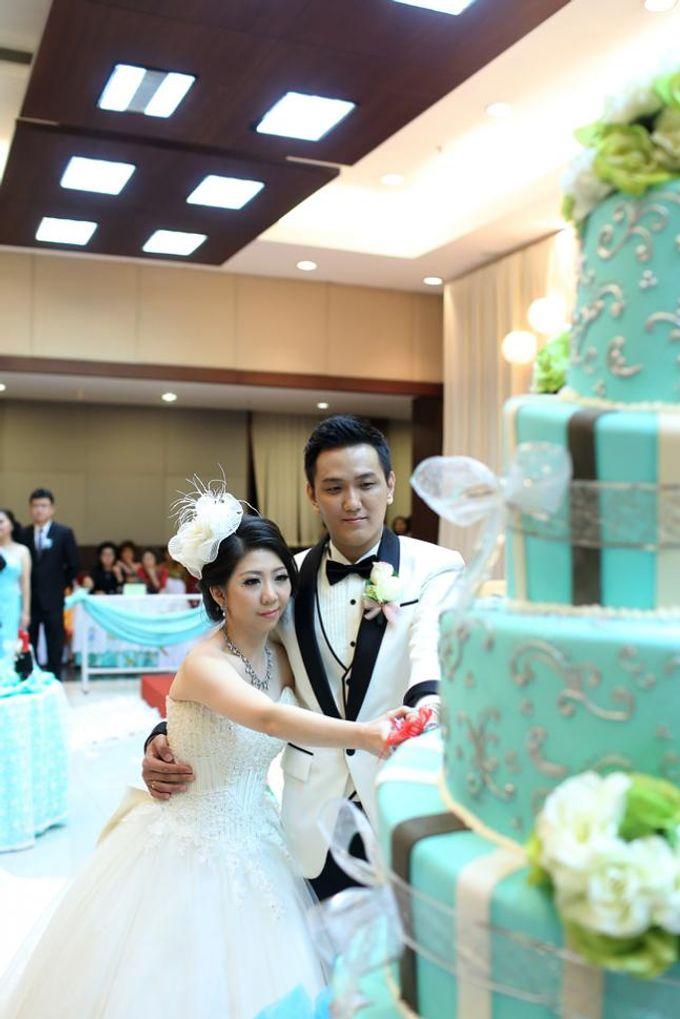 THE WEDDING OF DERWIN & JURIE / 27.09.14 / GEDUNG KOMPAS GRAMEDIA by AS2 Wedding Organizer - 005