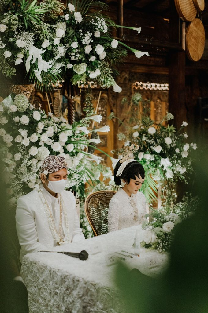 The Wedding of Ajeng & Deny by William Saputra Photography - 015
