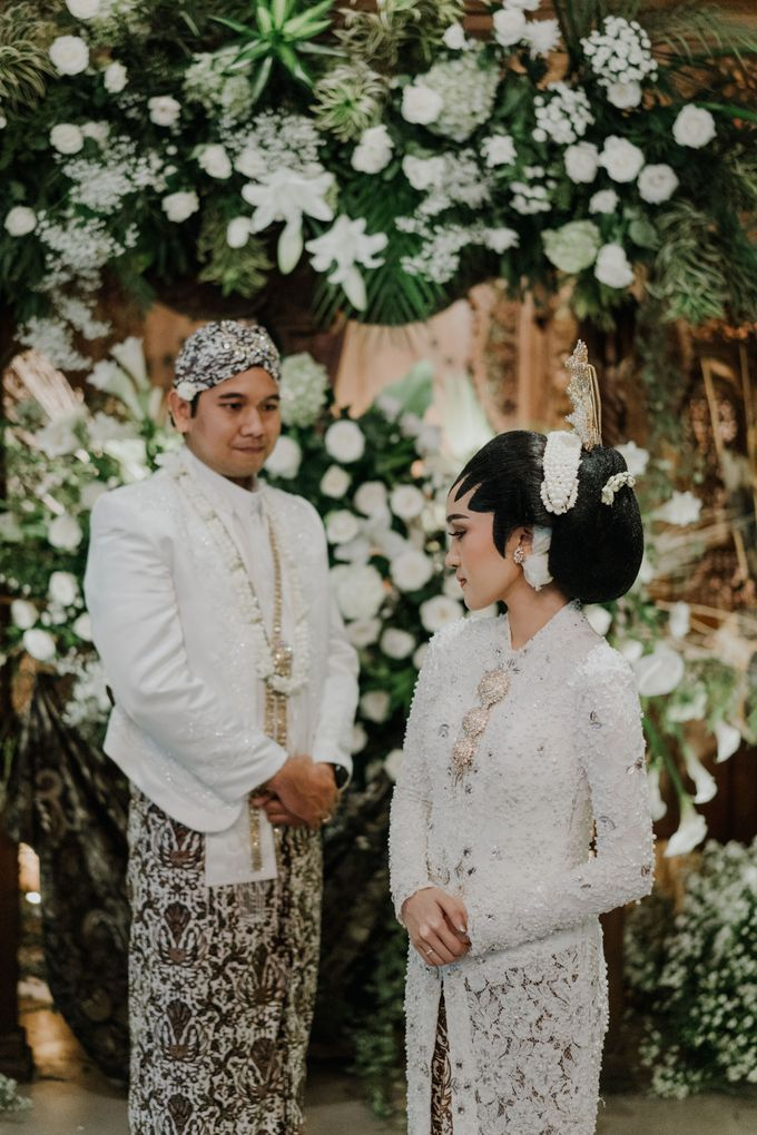 The Wedding of Ajeng & Deny by William Saputra Photography - 024