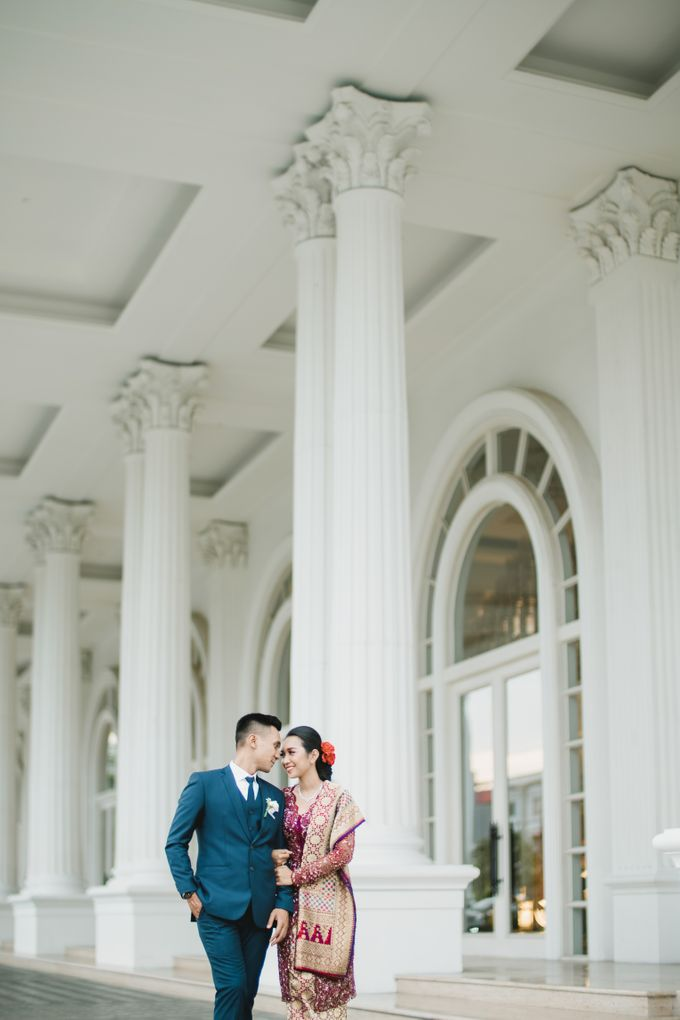 Adrian & Desi Wedding Day by THE TRIBRATA Darmawangsa Jakarta - 021