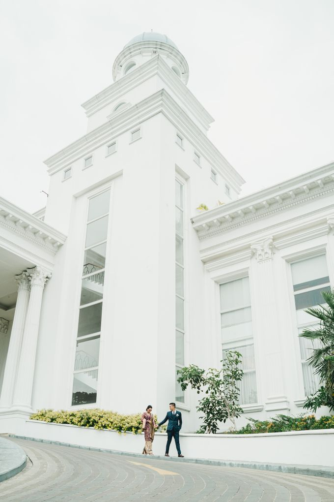 Adrian & Desi Wedding Day by THE TRIBRATA Darmawangsa Jakarta - 023