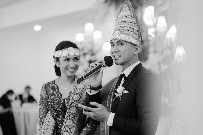 Adrian & Desi Wedding Day by THE TRIBRATA Darmawangsa Jakarta - 008