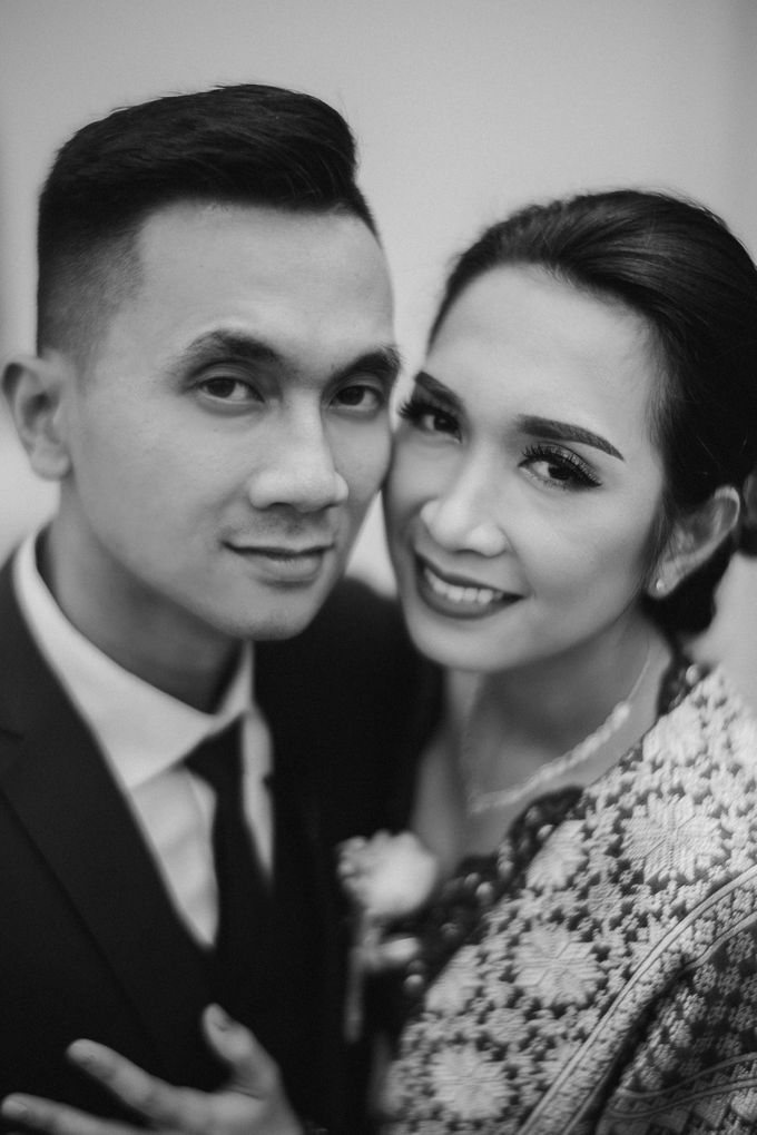 Adrian & Desi Wedding Day by THE TRIBRATA Darmawangsa Jakarta - 004