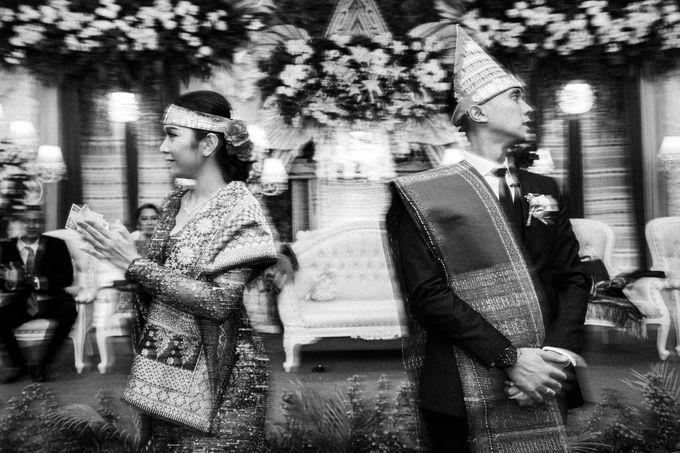 Adrian & Desi Wedding Day by THE TRIBRATA Darmawangsa Jakarta - 013