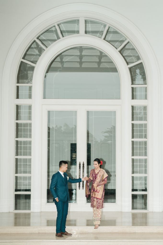 Adrian & Desi Wedding Day by THE TRIBRATA Darmawangsa Jakarta - 018