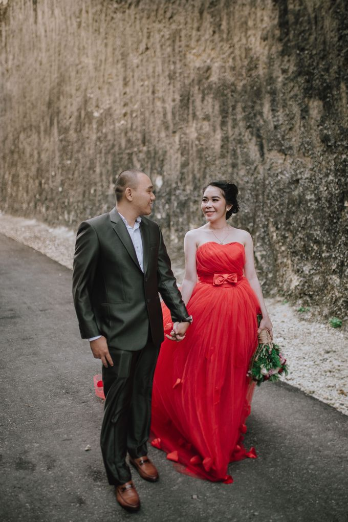 Adi & Ayu Couple Session by MOMENTO PHOTOGRAPHY - 011