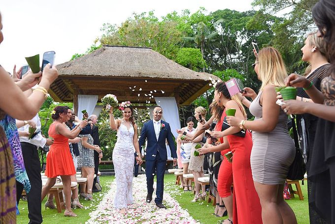 Wedding at Villa The Sanctuary in Canggu by Bali Tie d' Knot - 011