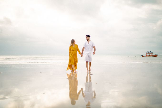 The project was done in September 2020 started with a wedding proposal on the Jukung followed with a wedding ceremony and reception with 10 guests in  by AVAVI BALI WEDDINGS - 031